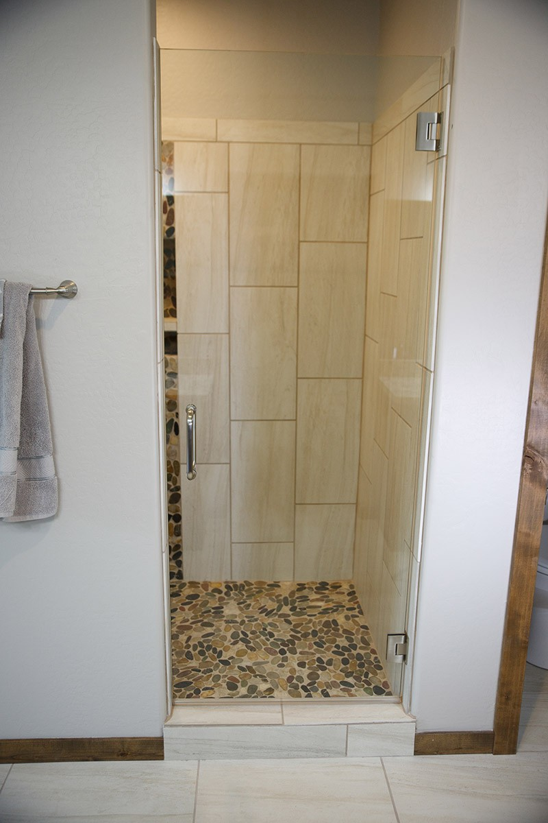 standard features shower